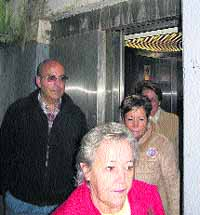 Vecinos boicotearán el ascensor de Arangoiti para que sea público