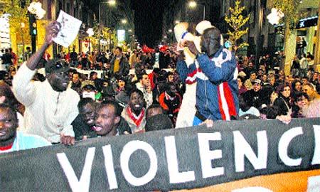 Exigen el fin de la violencia policial