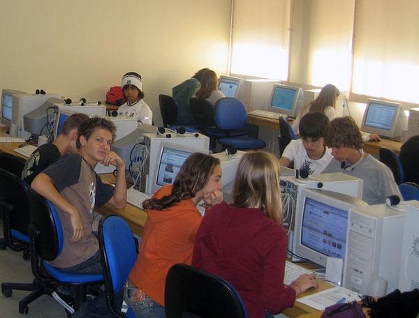 Menos del 20% de los profesores usa el ordenador para presentar temas en clase