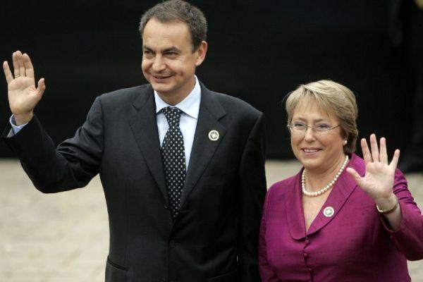 Zapatero junto a Michelle Bachelet
