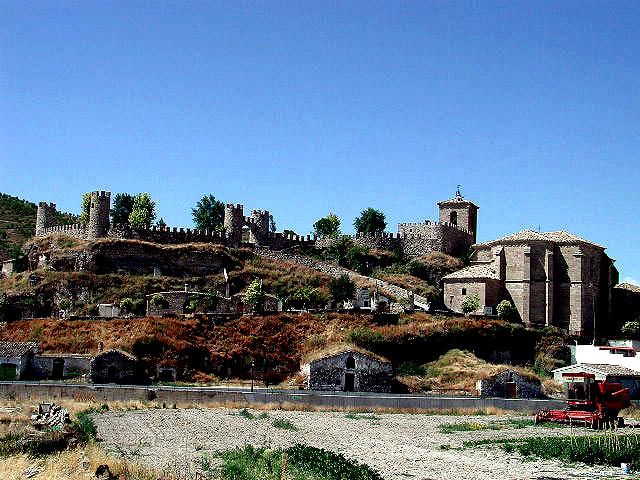 Las murallas de Almoguera.