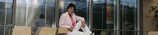 La presidenta de Microsoft en la sede de la compañía.