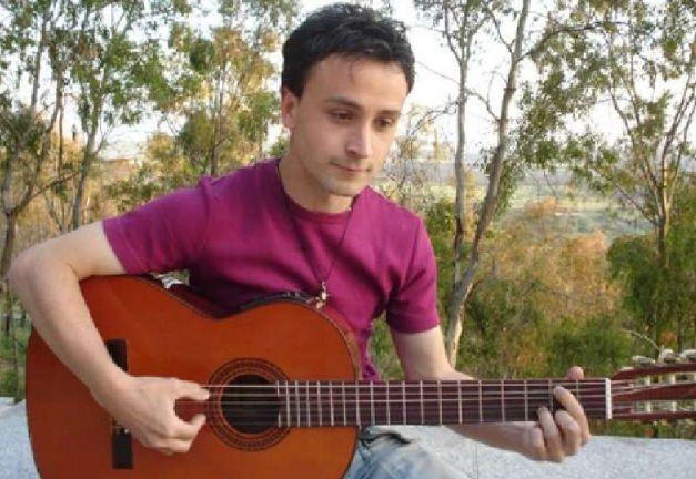 El cantautor extremeño Ismael Sánchez arrasa en México