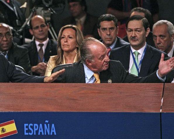 El Rey se enfrenta a Chávez