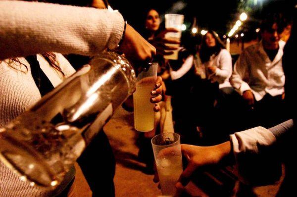 Los padres no abordan el problema del alcohol con sus hijos, según un estudio