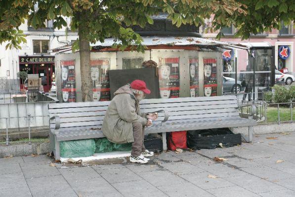 Mendigos en la calle.