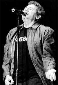 Miguel Ríos repasa sus 45 años de rock