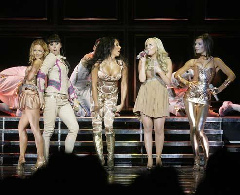 Las Spice Girls, durante su primer concierto.