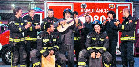 Calendario benéfico de bomberos y famosos