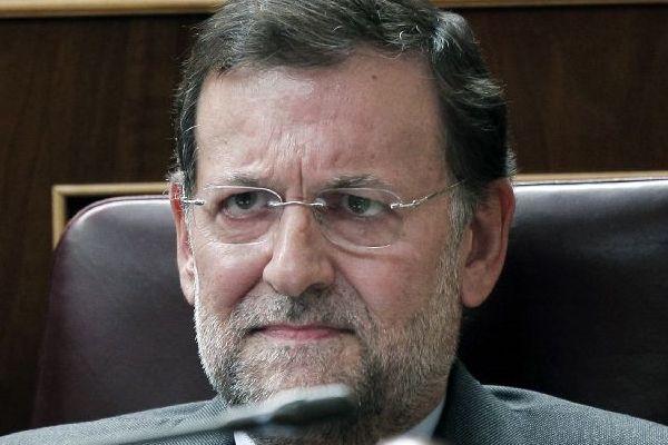 Rajoy matiza y suaviza