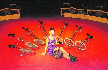 Dies de circ i acrobàcies