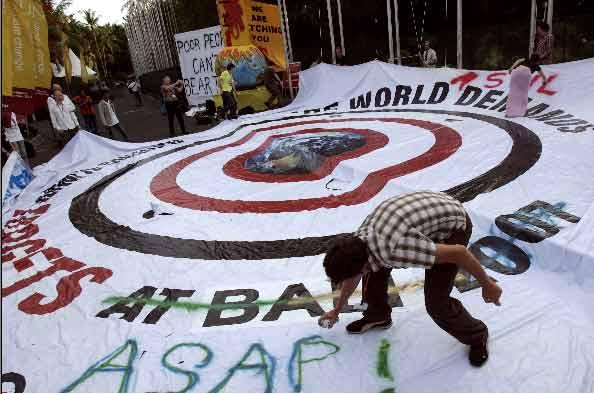 Activistas, contra el cambio climático.