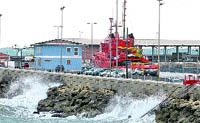 El temporal cierra puertos y amarra flotas