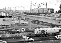 El Metro ya circula sobre la SE-30