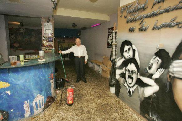 Asalto nazi con bates a un centro cultural del barrio del pilar en fuencarral - Centro de salud barrio del pilar ...