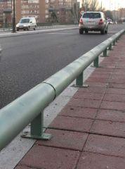 Guardaraíl colocado en el Puente García Morato.