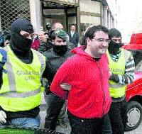 Dos detenidos en A Coruña y Vigo por apoyar al Grapo