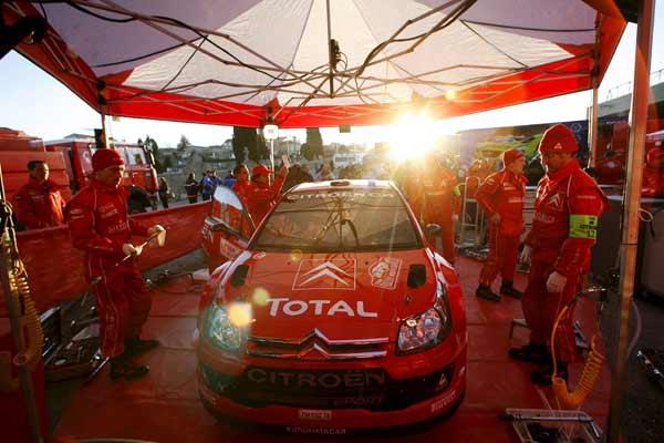 El coche del piloto español Daniel Sordo durante el Shakedown del Rally de Montecarlo