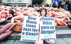 Protestan desnudos contra la matanza de animales para hacer ropa