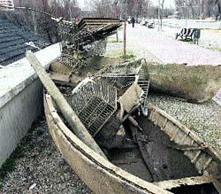 Ruedas, barcas y hasta ¡máquinas de escribir! bucean en el Pisuerga