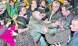 Estudiantes gallegos contra María San Gil