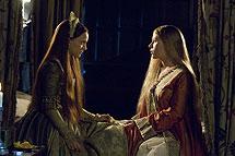 Scarlett y Natalie como María y Ana Bolena.