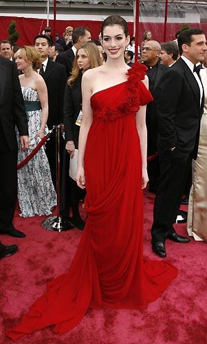 La actriz francesa Marion Cotillard, eligió un vestido de jean paul