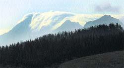 El Anboto se tapa con nubes... ¿invernales?