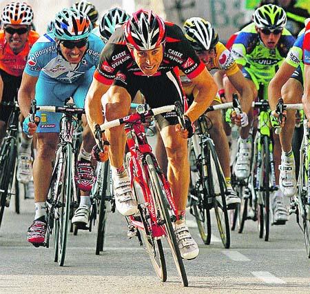 Contador se deja ver en la subida al Garbí