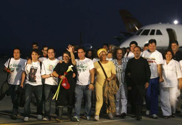 Los liberados por las FARC llegan a Caracas
