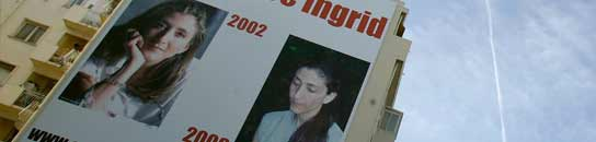 Un poster gigante de Betancourt pide su liberación en Niza.