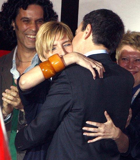 Zapatero festeja la victoria