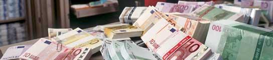 Billetes de Euro, que sigue creciendo frente al dólar