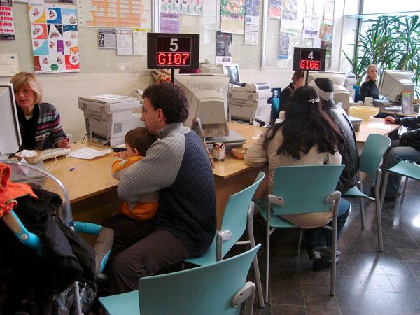 El paro desciende en el mes de mayo en 681 personas for Oficina electronica de empleo