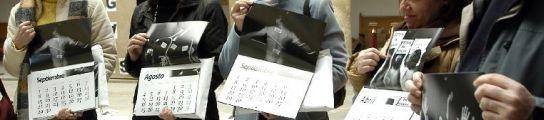 Los funcionarios de Justicia de Soria presentan un calendario posando semidesnudos en apoyo las familias afectadas por la huelga. (ICAL)
