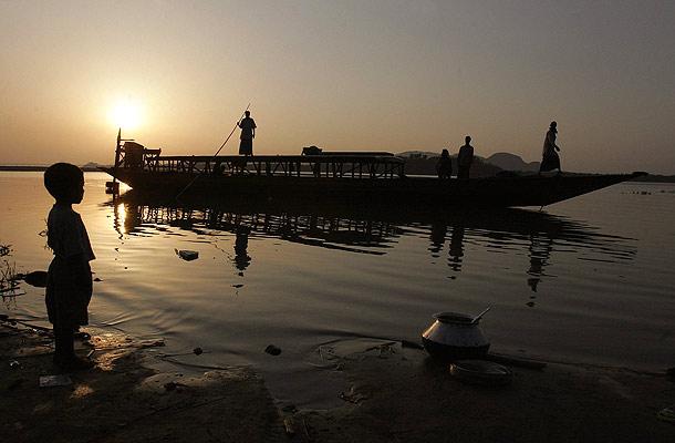 Bote en un río indio (2/4/2008)