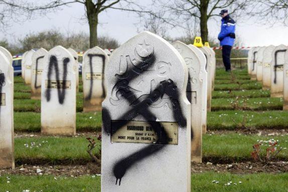Cementerio profanado por nazis en Francia