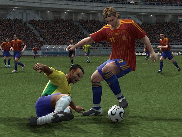 Pro Evolution Soccer 6 Platino. Pro Evolution Soccer 6 en su edición Platino para PS2.