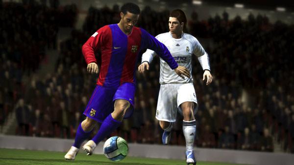 FIFA 08 para PS2. Otro juego de fútbol, esta vez FIFA 08 para PS2, el oficial.