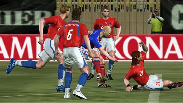 Pro Evolution Soccer 6. Y cerrando la lista de nuevo Pro Evolution Soccer 6 para PS2. El juego más rentable del año, ocupando en sus distintas versiones cuatro puestos entre los 20 más vendidos.
