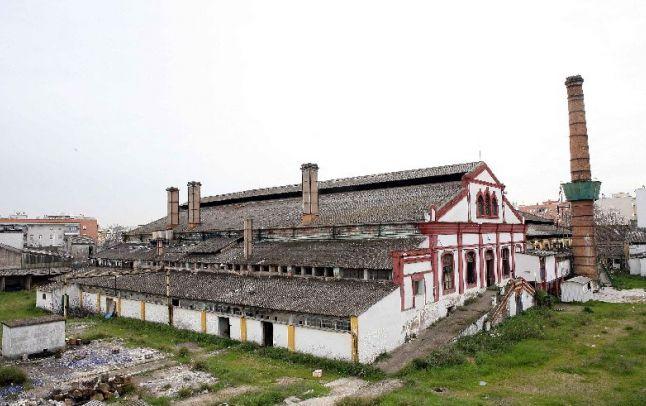 Los vecinos llevan al fiscal el saqueo de la antigua - Fabricas de cristal en espana ...