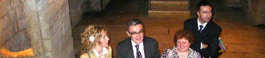 El alcalde de Lleida y la Regidora de Turisme junto a otros miembros del Consitorio en la ruta 'Lleida Secreta'. S.C/20MINUTOS