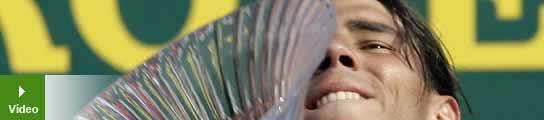 Nadal, con el trofeo de campeón de Montecarlo