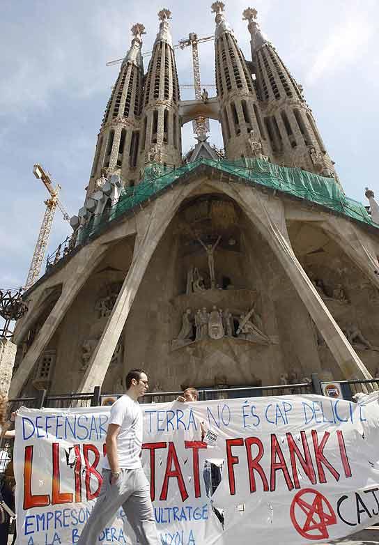 Antisistema Sagrada Familia