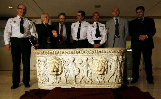 Beñera del siglo II robada en Roma.