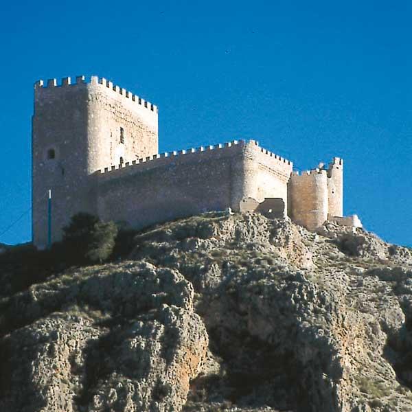 Jumilla y Yecla (Murcia).. Jumilla y Yecla (Murcia). El altiplano de la región de Murcia, donde el litoral comienza a fundirse con las llanuras, no recibe tanta atención como las muchas playas del Mar Menor, Mazarrón o Águilas. Esa situación no es de recibo. Mapa.