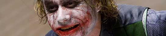 Heath Ledger, caracterizado como 'Joker'.