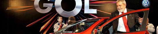El presidente de Brasil, Lula, en el nuevo Volkswagen Gol. Foto: AGENCIAS.