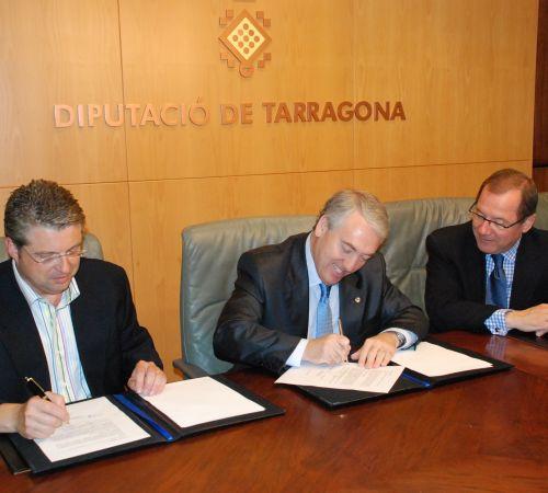 La Diputación entrega 36.000 euros al Centro de Lectura para fomentar la cultura