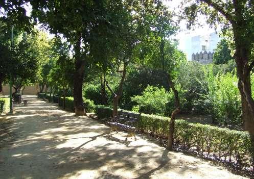 Un jard n protegido por la antigua muralla for Los jardines del califa